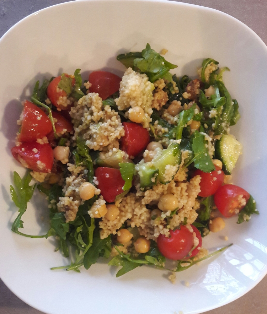 Moroccan couscous salad with chickpeas and rucola (2/2)